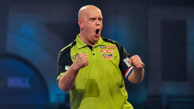 Gretige Michael van Gerwen kijkt terug op dartsloze periode ...