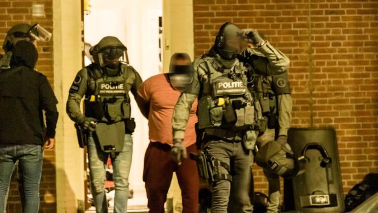 Een man werd aangehouden (foto: Jack Brekelmans/SQ Vision).
