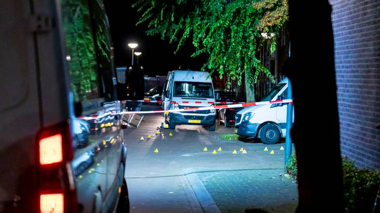 Kogelhulzen op de Jan Dercksstraat (Foto: Marcel van Dorst/SQ Vision).