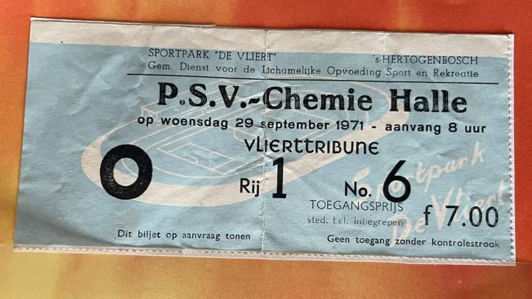 Het kaartje voor de wedstrijd die nooit gespeeld werd (foto: collectie brandweermuseum Eindhoven)