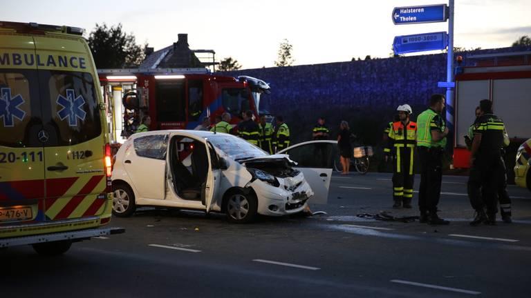 Het ongeluk in Bergen op Zoom gebeurde rond kwart voor tien 9foto: Christian Traets/SQ Vision).