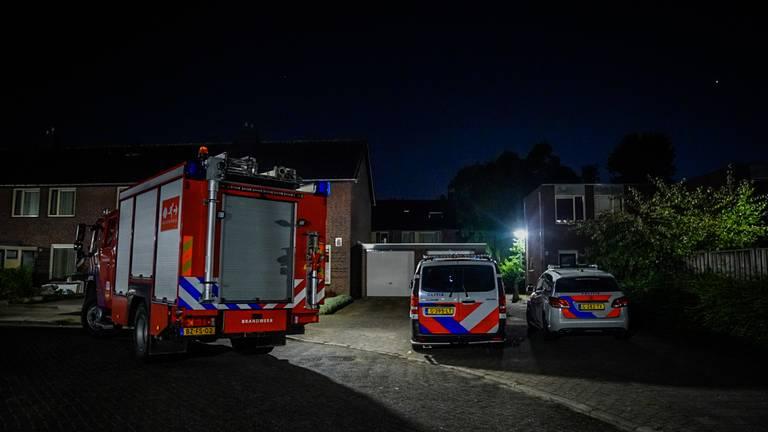 Na de knal bij de Dadelstraat in Eindhoven werden politie en brandweer gewaarschuwd (foto: Sem van Rijssel/SQ Vision).