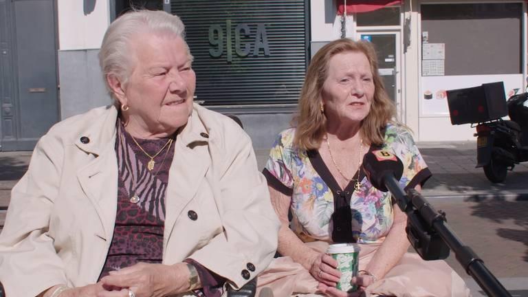 Deze dames kijken uit naar een versoepeling van de coronamaatregelen.