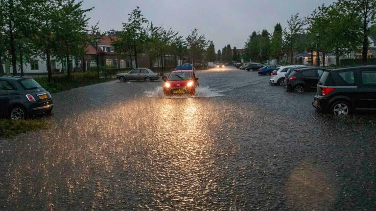 In Mierlo was de wateroverlast groot (foto: Dave Hendriks/SQ Vision).
