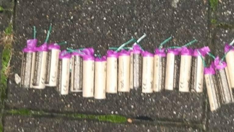 De jongen had achttien nitraten op zak. (Foto: Politie)