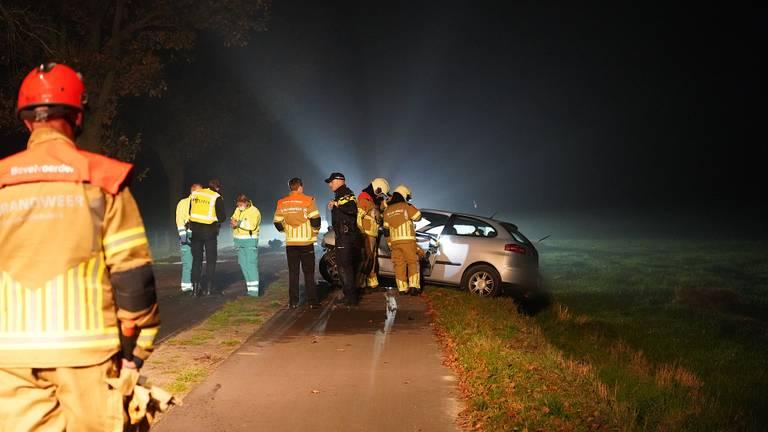 Het ongeluk in Ulicoten gebeurde rond twee uur 's nachts (foto: Jeroen Stuve/SQ Vision).