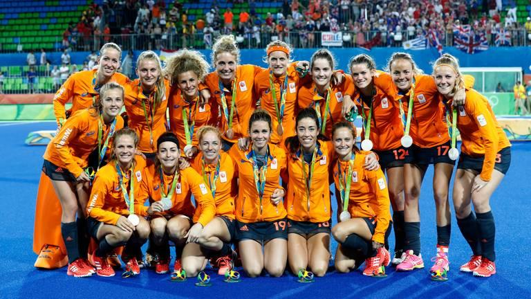 Zilver voor Oranje na de Olympische finale in 2016 tussen de dames van Nederland en Groot-Brittannië (foto: ANP).