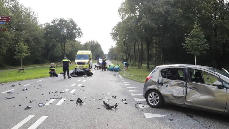 Het ongeluk in Mill gebeurde rond elf uur zondagochtend (foto: SK-Media).