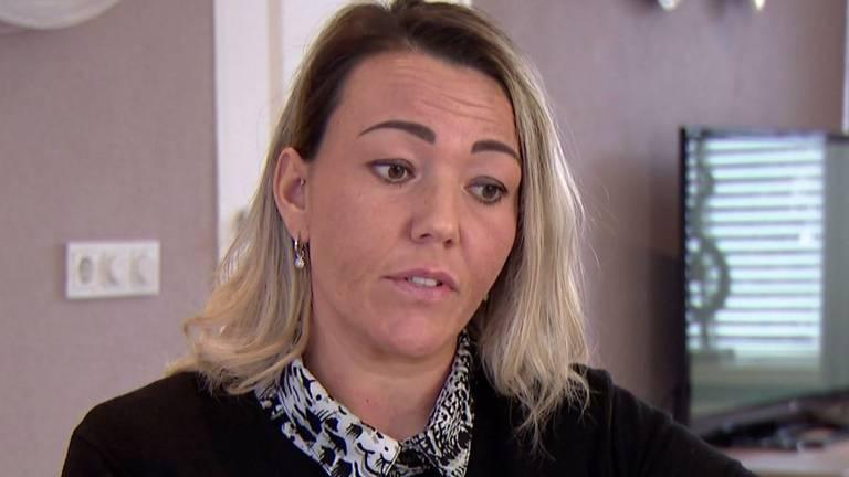 Slachtoffer doet bij Bureau Brabant haar verhaal van de gewelddadige overval (foto: Bureau Brabant).