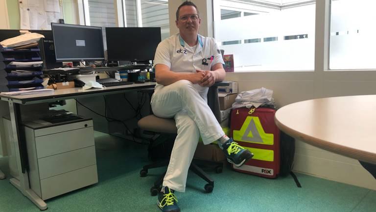 Teamleider Joost Driessen van het ic-personeel in het Elisabeth-TweeSteden Ziekenhuis in Tilburg (foto: Joris van Duin).