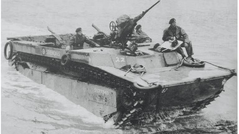 Een Buffalo zoals ze ook werden ingezet bij de Slag om de Schelde(foto: IWM)