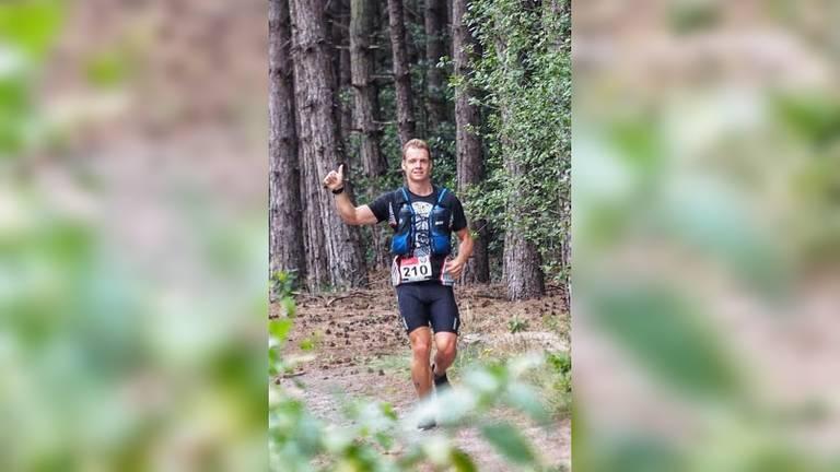Addie van der Vleuten onderweg tijdens een van zijn hardloopsessies (foto: Addie van der Vleuten).
