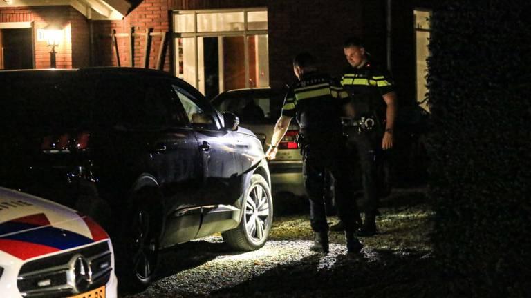 De politie doet onderzoek naar wat er precies is gebeurd in Helmond (foto: Harrie Grijseels/SQ Vision).