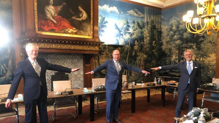 Burgemeesters Weterings, Mikkers en Jorritsma blikken op anderhalve meter afstand terug op besturen in coronatijd (foto: Tom van den Oetelaar).