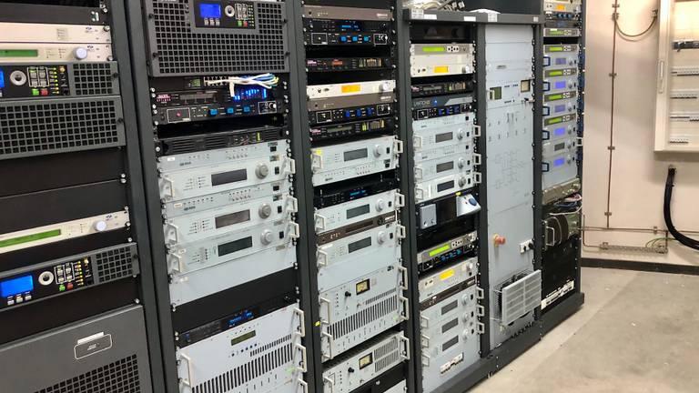 De radiozenders in de televisietoren (Foto: Erik Peeters)