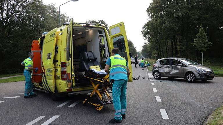 Het slachtoffer is naar een ziekenhuis in Nijmegen gebracht (foto: Marco van den Broek/SQ Vision).
