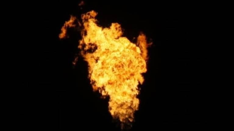 Enorme vlammen bij Shell Moerdijk. (Foto: Hans Oskam)