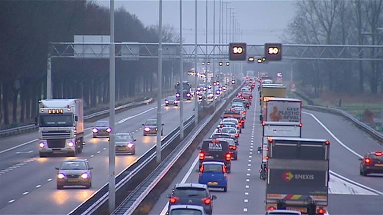 Verlichting snelweg weer aan