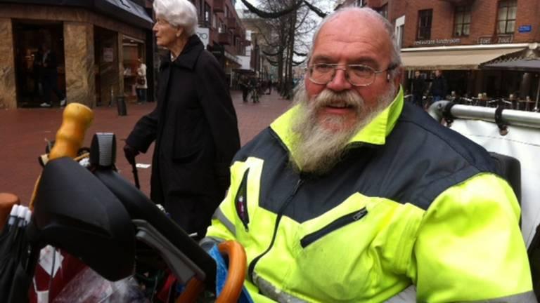 Arnol Kox in het centrum van Eindhoven (Foto: Archief).