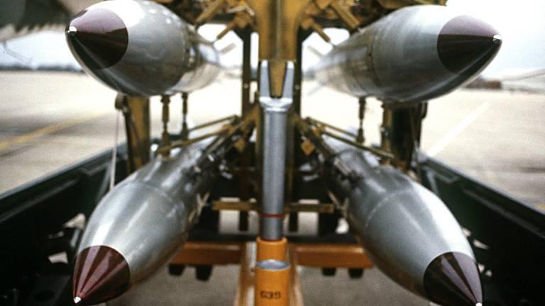 Archieffoto van B61-bommen.