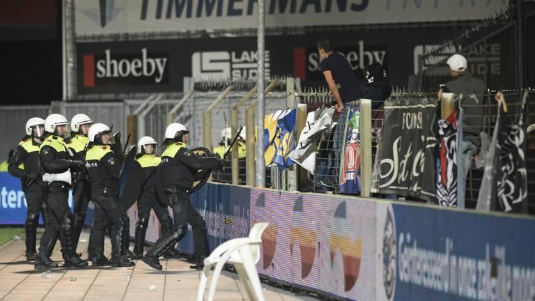 Rellen bij FC Den Bosch - FC Oss in 2014 (foto: Henk van Esch)