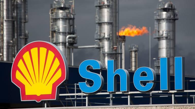 Personeel van Shell Moerdijk dreigt met acties.