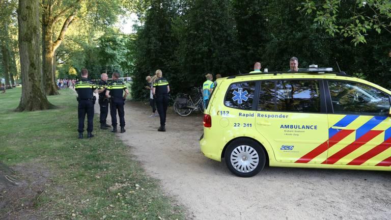 Boze automobilist schept bewust twee man (foto: Gabor Heeres/SQ Vision)