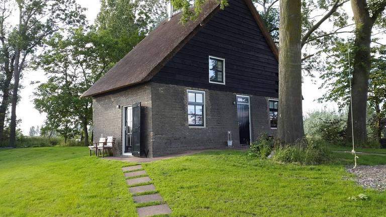 Het vakantiehuisje in Hooge Zwaluwe. (Foto: archief)