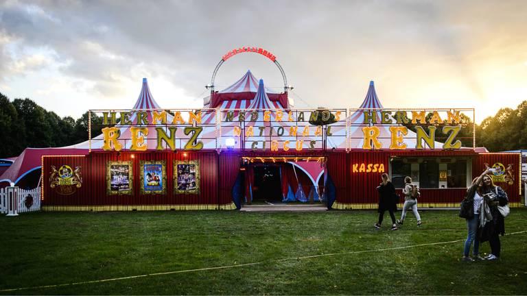 De tent van Circus Herman Renz (archieffoto: ANP)