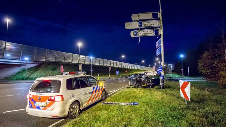 De auto is total loss. (Foto: Luuk Koenen/SQ Vision)