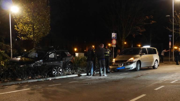De auto's waren zwaarbeschadigd. (Foto: Perry Roovers/SQ Vision)