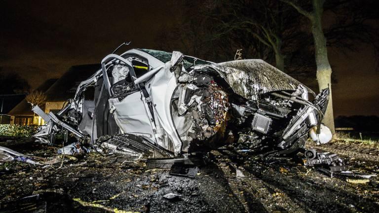 Het ongeluk gebeurde op de Slievenstraat in Someren. (Foto: Rob Engelaar)