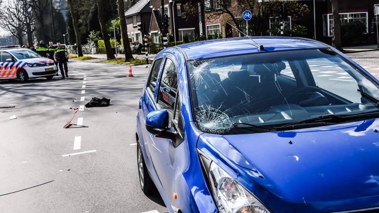 De bestuurster van de auto raakte niet gewond. (Foto: Sem van Rijssel)