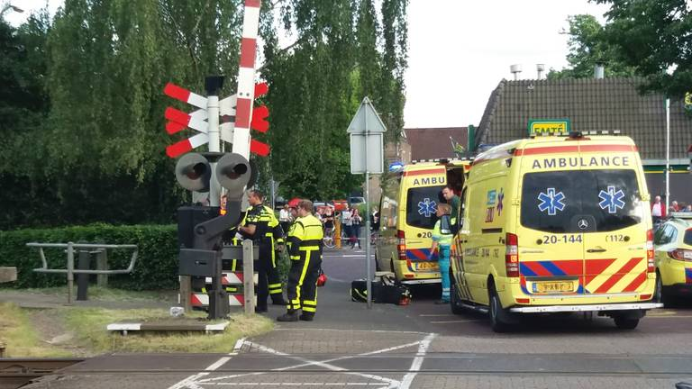 Ongeluk bij de spoorovergang in Oisterwijk (foto: Erik Emmen)