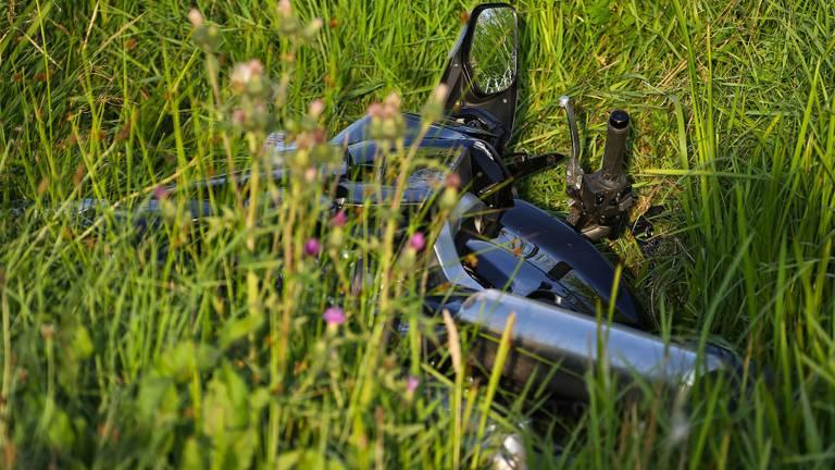 De motor na het ongeluk (foto: Gabor Heeres/SQ Vision Mediaprodukties).