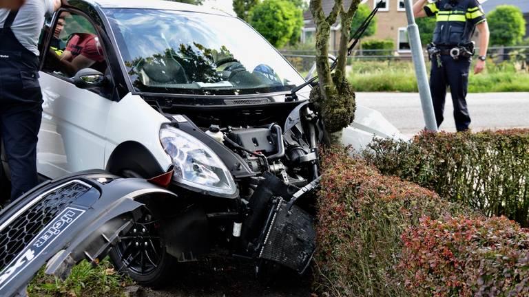 Er was veel schade aan beide voortuigen. Foto: Perry Roovers / SQ Vision Mediaprodukties