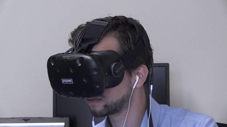 Een VR-bril. (Foto: Raymond Merkx)