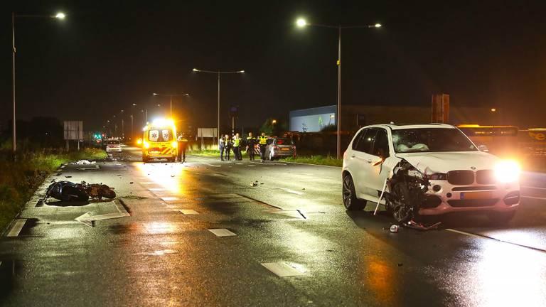 Het ongeluk gebeurde op de Megensebaan tussen het spoorviaduct en de Gasstraat-Oost . (Foto: Gabor Heeres)