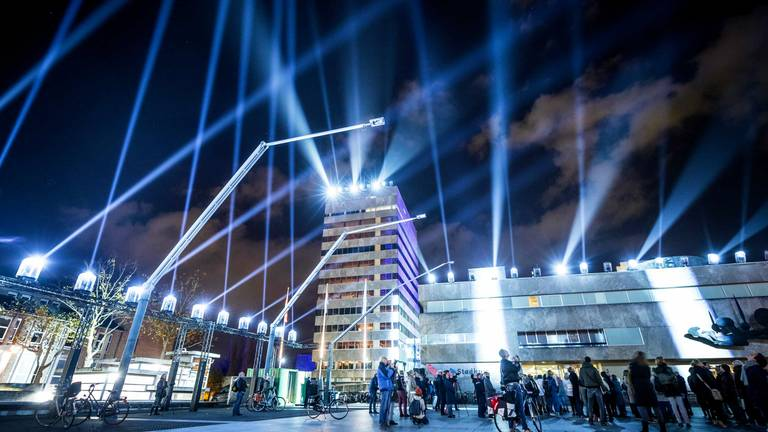 Lichtshow op het Stadhuisplein (foto: Rob Engelaar)