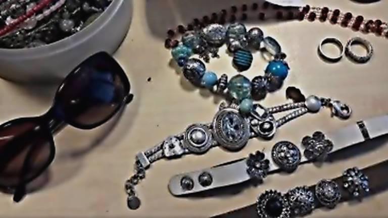 Een deel van de gevonden sieraden
