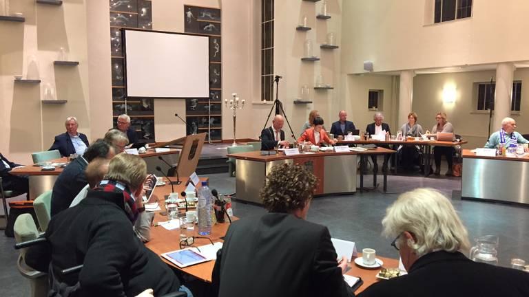 De gemeenteraad van Nuenen vergadert over haar toekomst