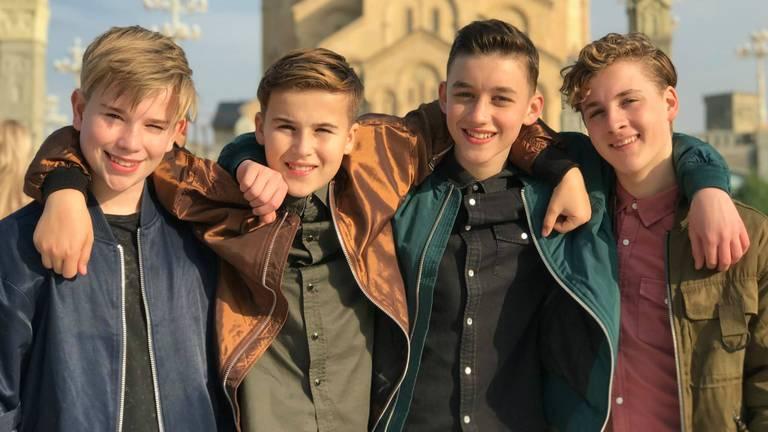 De mannen van Fource bereiden zich in Georgië voor op de finale van het Junior Songfestival. (Foto: Facebook)
