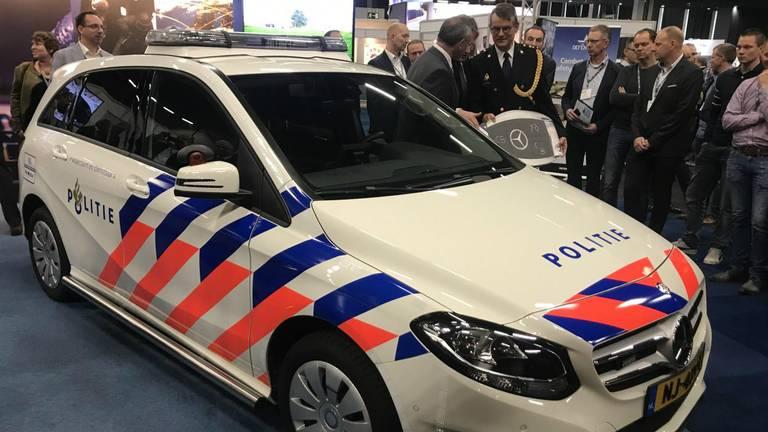 VDL gaat politiewagens van een nieuw jasje voorzien (foto: VDL).