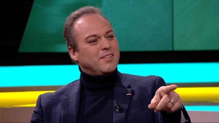 Frans Bauer is te gast in de talkshow KRAAK.