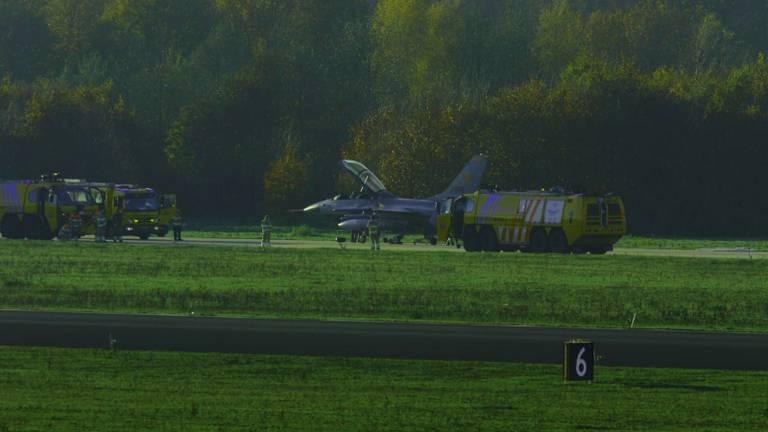 Een straaljager op de taxibaan van Vliegbasis Eindhoven. (Archieffoto)