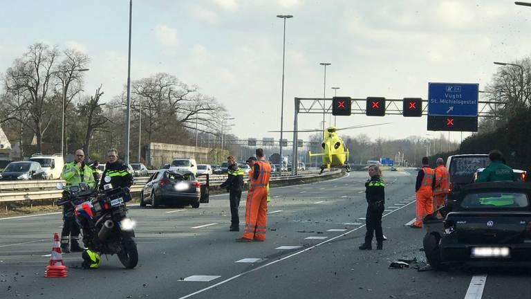 De ravage na het ongeluk (foto: Bart Meesters).