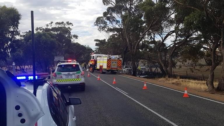 Het zware ongeluk gebeurde in de buurt van New Norcia (foto: Twitter Wongan Hills Police)