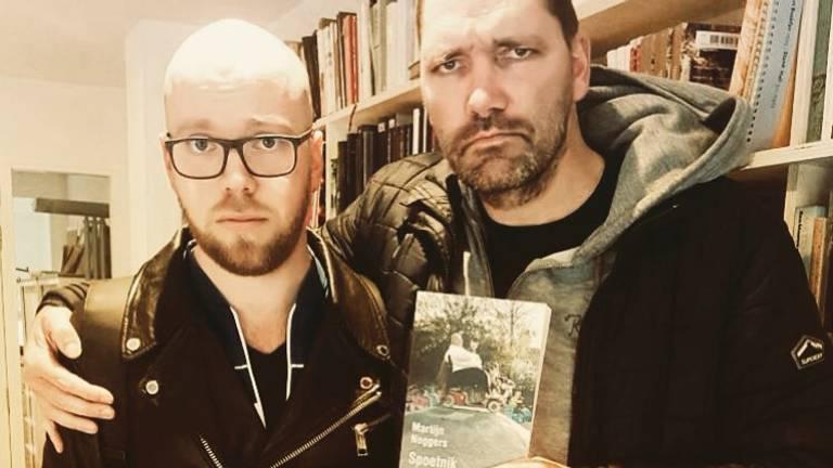 Martijn Neggers en Theo Maassen zijn 'superblij' met de verfilming van Spoetnik. (Foto: Twitter @MartijnNeggers)