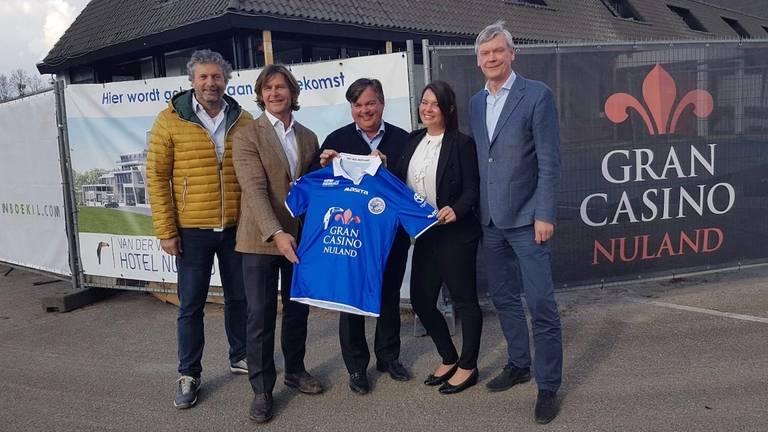 Het nieuwe shirt van FC Den Bosch voor het restant van dit seizoen. (Foto: Henk van Esch)