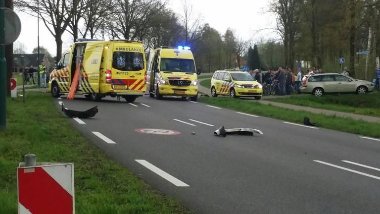 De man op de fiets werd geschept door een auto. (Foto: Danny van Schijndel)